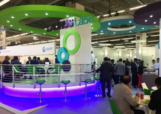 Laurus Labs – custom exhibition stand and evening event